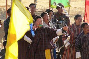 boogschieten in Haa - Haa - Bhutan - foto: Mieke Arendsen
