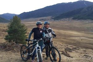 mountainbiken Phobjikha voorkant - Phobjikha - Bhutan