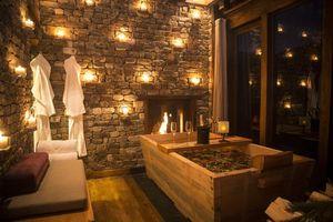 romantische hotstonebad in Gangtey Lodge - Gangtey Lodge - Bhutan - foto: Gangtey Lodge