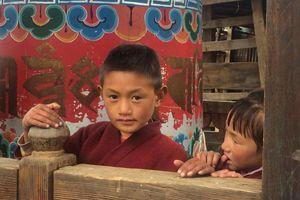 Brokpa kinderen bij Mera Sakteng - Oost-Bhutan - Bhutan