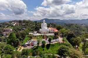 Boeddha beeld - Kandy - Sri Lanka - foto: unsplash