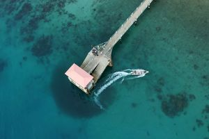 Boot bij Steiger - Tioman - Maleisië - foto: unsplash