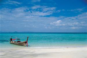 Boot op zee in Koh Phi Phi - Thailand