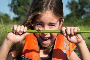 Meisje met kikker bij Seba Lodge - Seba Lodge - Botswana