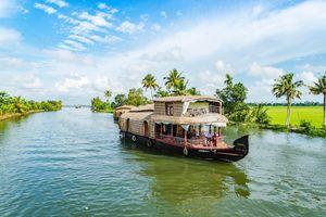 houseboat Backwaters - Allepey - Kerala - India - foto: unsplash