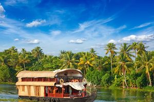 Varende boot restaurant, Kerala backwaters - India