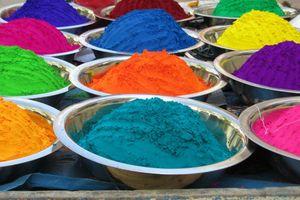 Kleurenpoeder van het Holi festival - India
