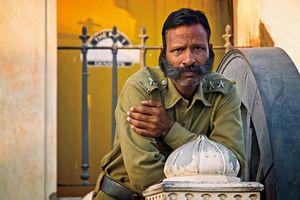 bewaker met snor in Orissa - Orissa - India