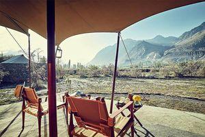 zicht op Hunder vanaf veranda Chamba Camp - Diskit Ladakh - Chamba Camp - India