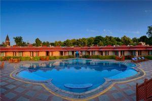 zwembad van het Orchha Resort - Orchha Resort - India