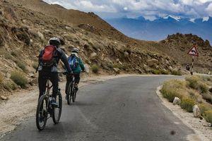 mountainbike downhill Khardung La Ladakh (2) - Ladakh - India