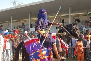 man op paard Hola Mohalla festival - India
