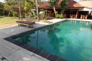 zwembad en restaurant D'Tunjung Resort & Spa Candidasa - D'Tunjung Resort & Spa Candidasa - Indonesië