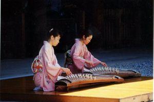 voorstelling bij het Meiji Jingu Shrine - Tokyo - Japan