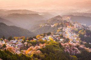 Yoshinoyama, Nara, in het lente seizoen - Japan - foto: Archief