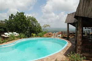 zwembad - Ngulia Safari Lodge - Kenia