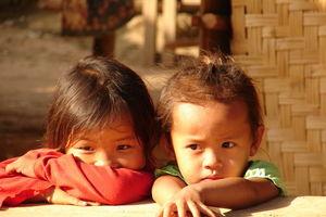 meisjes Kamu Village