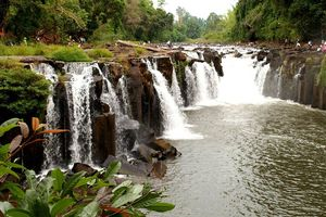 waterval (2) - Laos