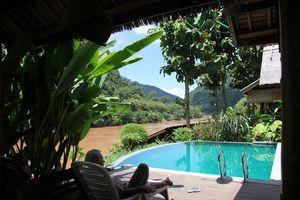 zwembad van Mandala Ou in Nong Khiaw (2) - Mandala Ou - Laos