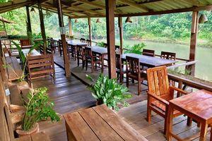 buitenterras van Spring River Resort - Spring River Resort - Laos