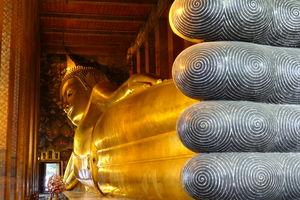 liggende boeddha in Wat Pho - Thailand