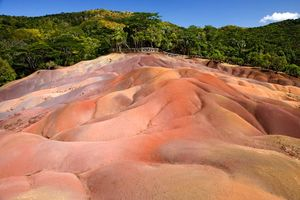 Seven Coloured Earths - Mauritius