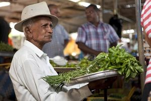 man bij markt op Mauritius - Mauritius