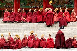 monniken bij Labrang Klooster - Xiahe - China - foto: flickr