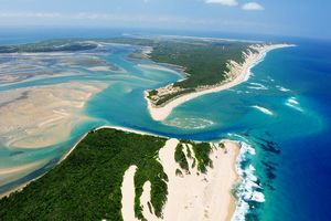 Inhaka Island van boven - Machangulo Beach Lodge - Mozambique