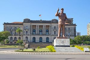 City Hall en standbeeld van Michel Samora, Maputo - Maputo - Mozambique