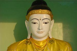 Boedhabeeld Shwedagon Pagode Yangon - Yangon - Myanmar