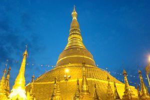 Shwedagon Pagode 's avonds - Yangon - Myanmar