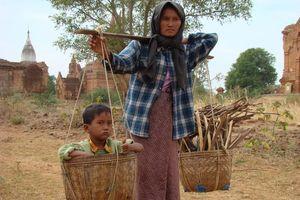 moeder kind in mand - Bagan - Myanmar