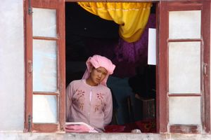 novice uit raam - Myanmar