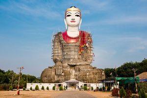 Groot beeld in aanbouw, Mawlamyine, Mon State - Myanmar