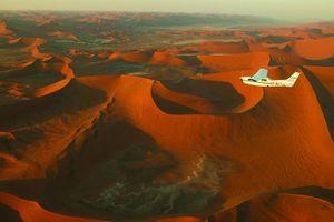 Vliegtuig over Sossusvlei - Sossusvlei - Namibië