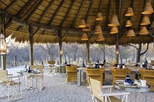restaurant Mushara Bush Camp - Mushara Bush Camp - Namibië