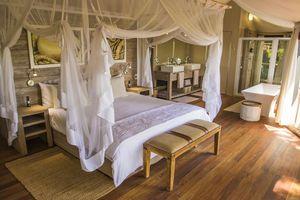 slaapkamer van Nambwa Tented Lodge - Nambwa Tented Lodge - Namibië
