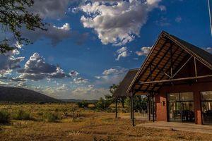 exterior Hobatere lodge - Hobatere lodge - Namibië