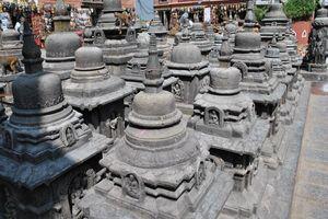 beelden tempel Swayambunath - Swayambunath - Nepal