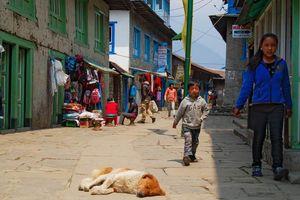 Lukla straatbeeld - Lukla - Nepal