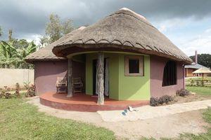 huisje met rieten dak - Hoima Cultural Village - Oeganda