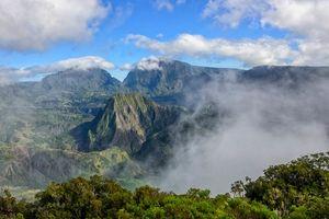 Mistig landschap van Cirque de Salazie - Cirque de Salazie - Réunion