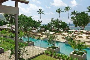 Zwembad en privéstrand van Kempinski Seychelles - Kempinski Seychelles - Seychellen