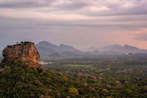 Lions Rock vanaf Pidurangala - Sri Lanka