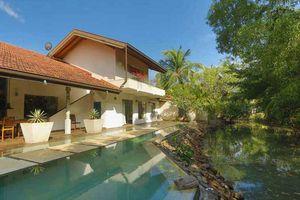 zwembad van Villa Hundira in Negombo - Villa Hundira - Sri Lanka