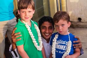 gids met twee jongetjes - Sri Lanka