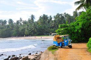 tuk tuk aan zee - Sri Lanka