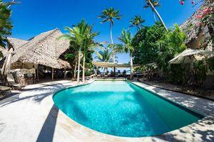 Sunshine Hotel, zwembad - Sunshine Hotel - Tanzania