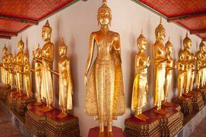 Veel boeddha's bij tempel Chiang Mai